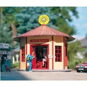 DANS BURGER STAND   PIKO G SCALE MODEL TRAIN BUILDING KIT