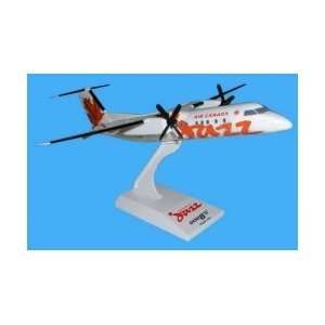 Skymarks Air Canada Jazz DASH 8 300 Model Airplane: Toys & Games