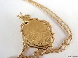 Vintage Trifari Gold Tone Cameo Pendant Necklace