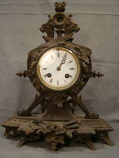 Antique VICTORIAN Figural WINGED Mythical GRIFFIN Spelter MANTLE CLOCK