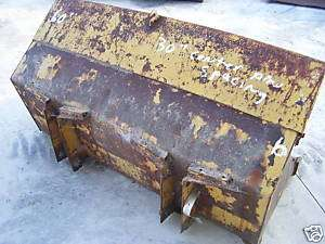 Bucket for loader tractor with teeth 5 foot wide