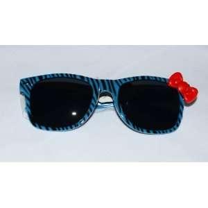 Cute Ladies Retro Wayfarer Hello Kitty Sunglasses Blue