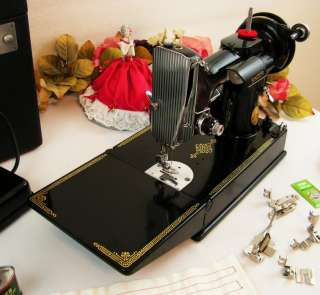 Beautiful Near Mint 1950 Singer 221 Featherweight Sewing Machine