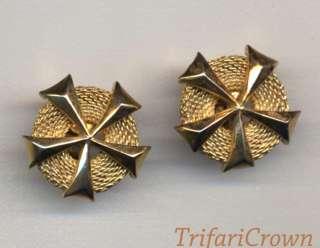 prestigiosa creazione firmata Trifari Crown (con la corona sulla T