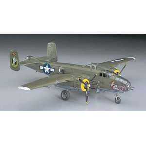 Hasegawa 1:72 B 25J Mitchell Model Airplane Kit: Toys & Games
