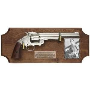 The Gun That Killed Jesse James Deluxe Framed Set Dark