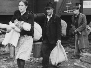 Jewish Refugees WWII Photographic Print by Robert Hunt   AllPosters.co
